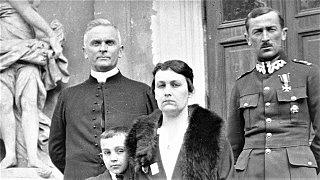 """Gabriel Maciejewski czyta """"Wspomnienia z Belwederu"""" – księdza Mariana Tokarzewskiego"""